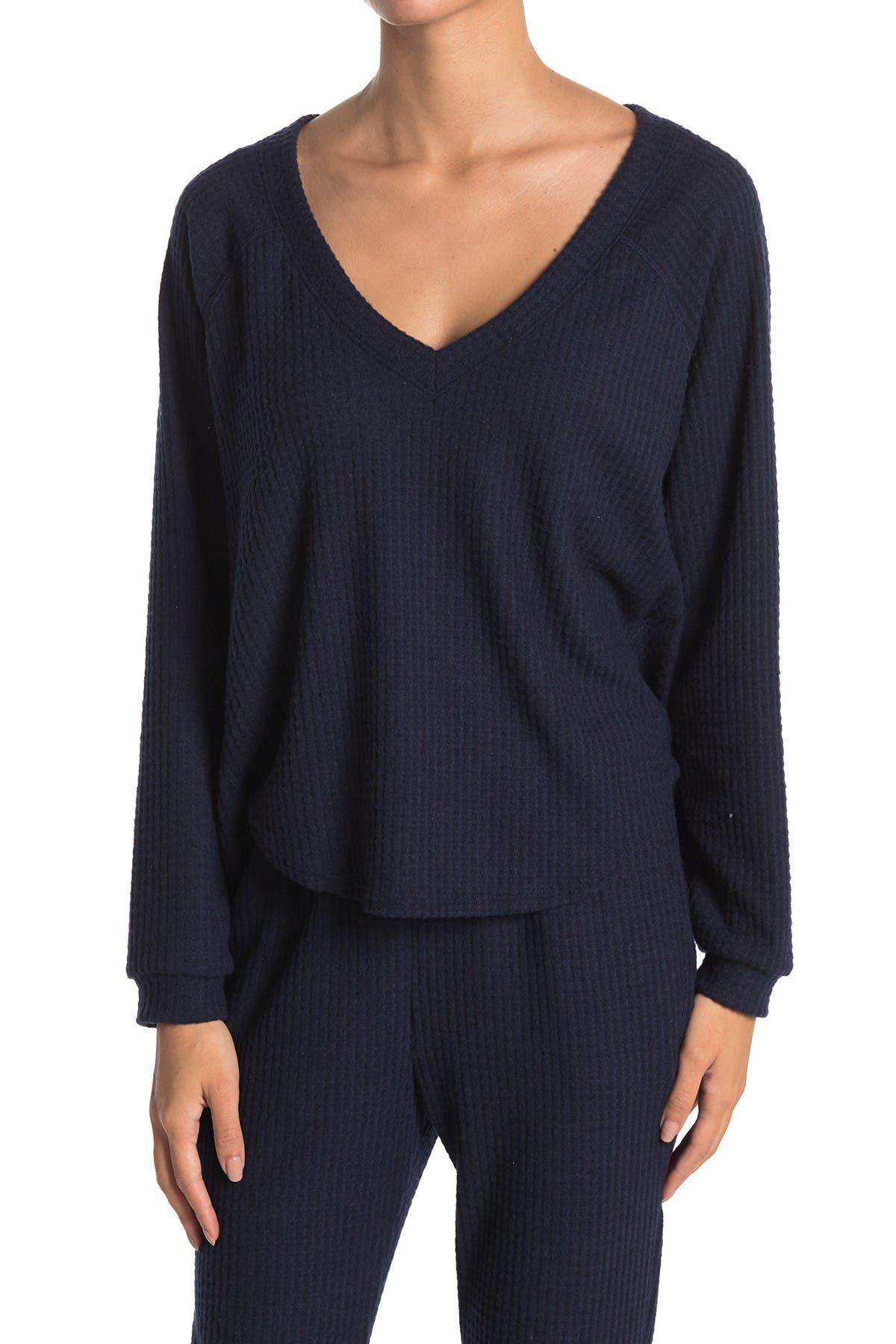 Image of Socialite V-Neck Long Sleeve Brushed Knit Lounge Top