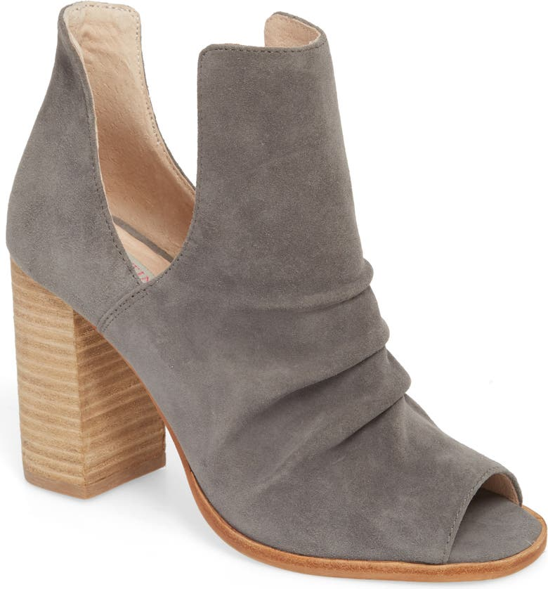 KRISTIN CAVALLARI Lash Split Shaft Bootie, Main, color, 021