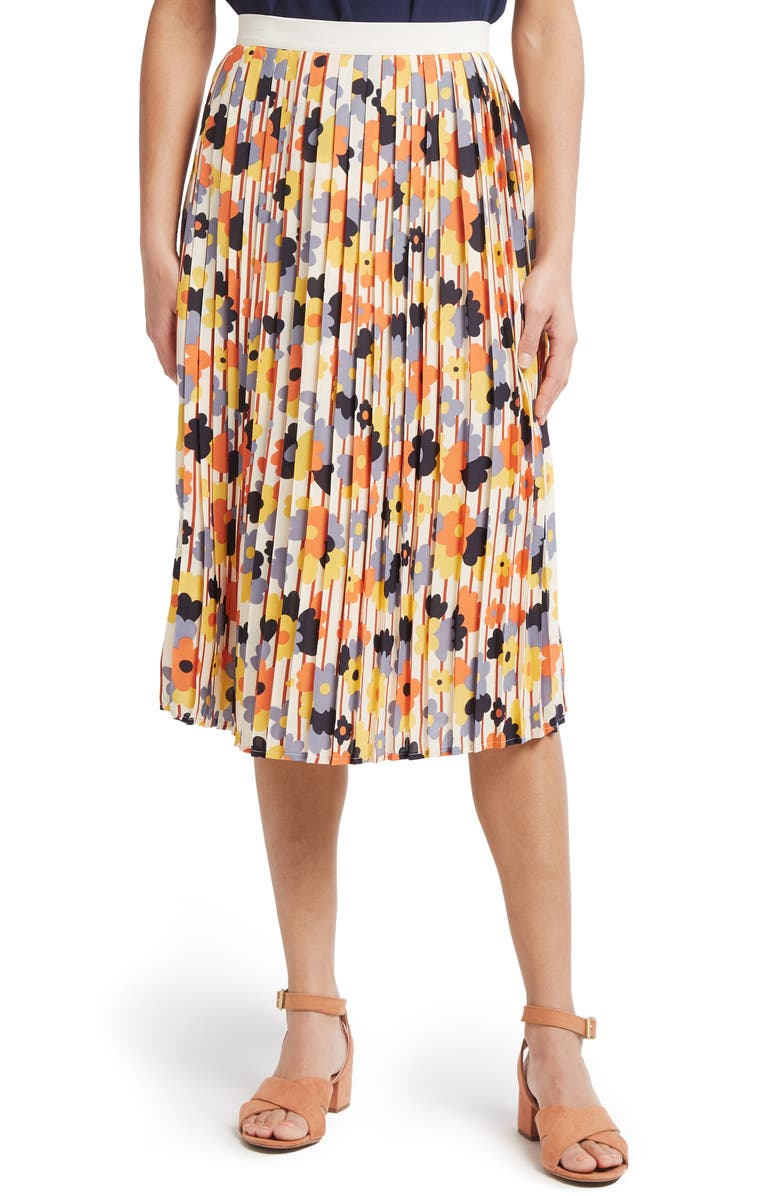 MODCLOTH Beautifully Upbeat Pleated Skirt, Main, color, 900