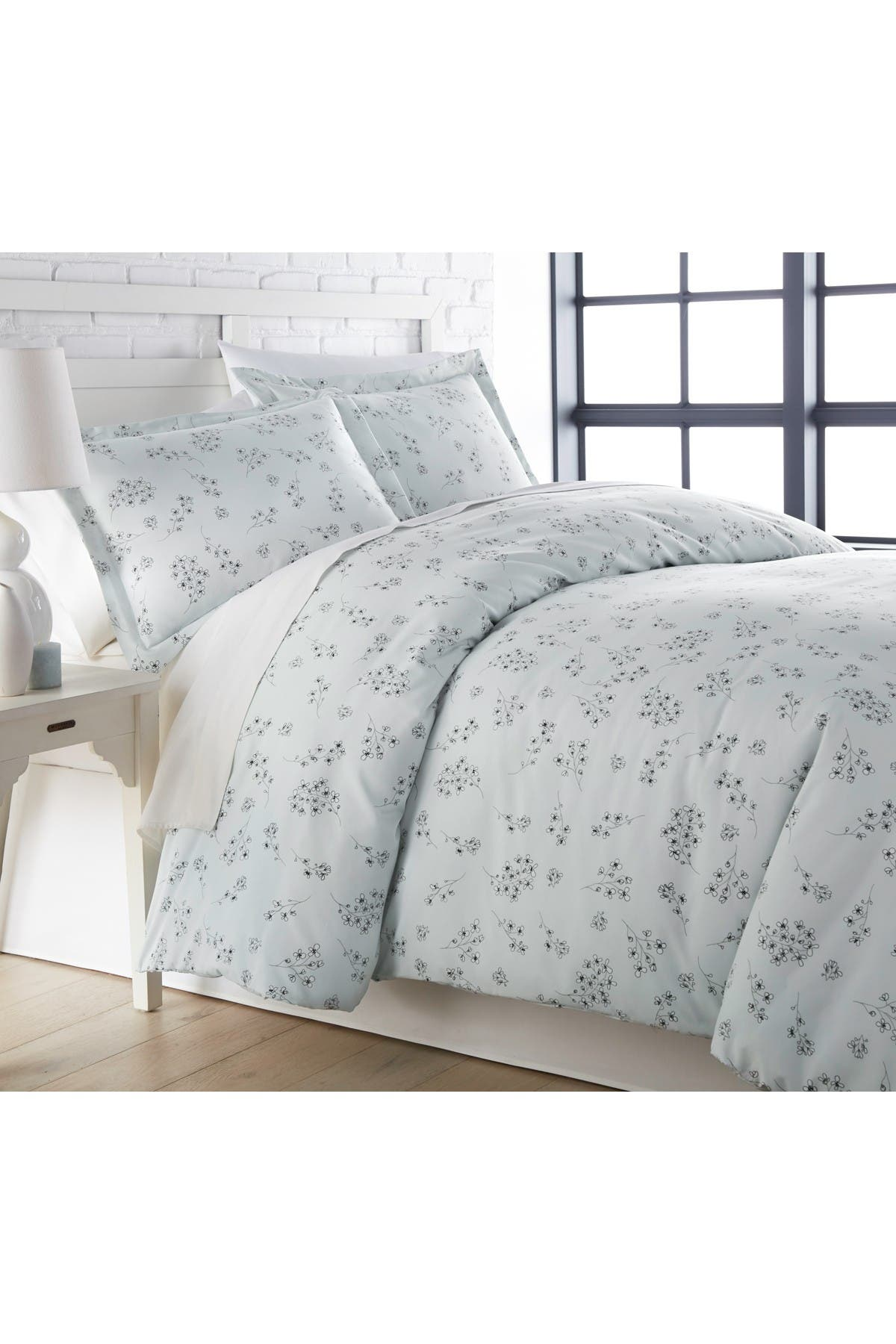 Image of SOUTHSHORE FINE LINENS King/California King Luxury Collection Premium Oversized Duvet Cover Set - Blue