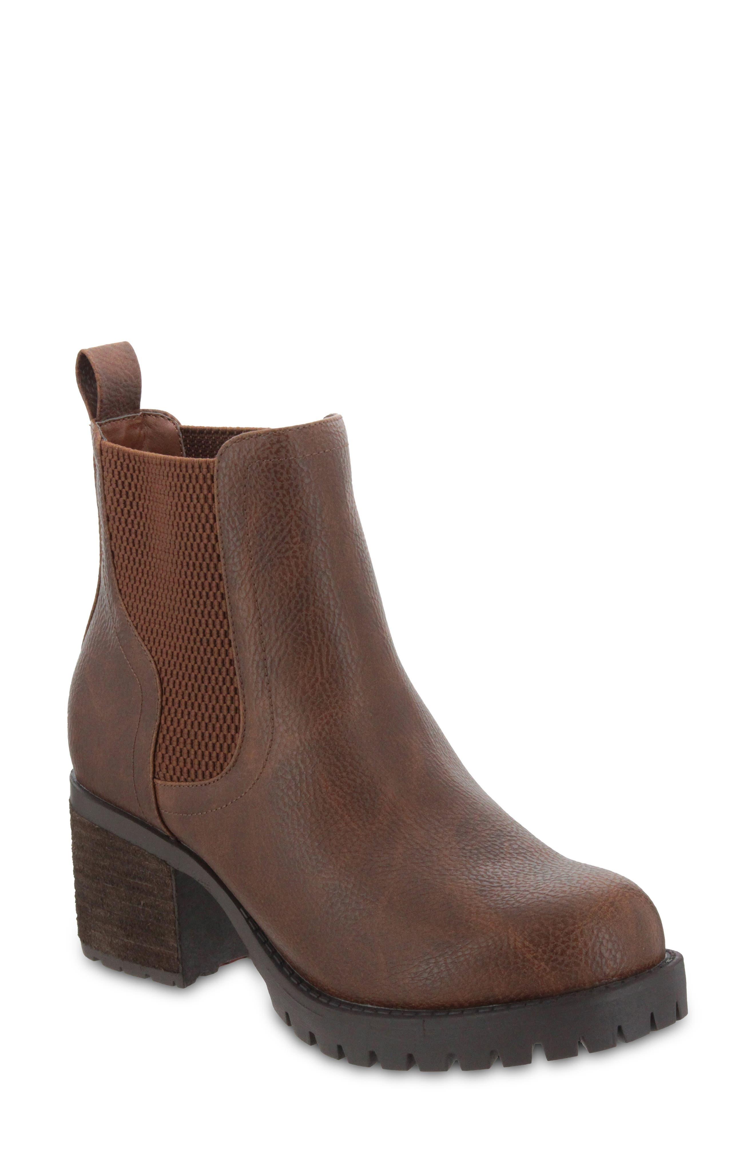 Jonna Lug Sole Chelsea Boot
