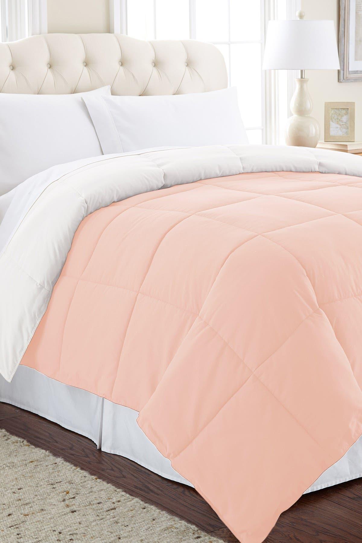 Image of Modern Threads Down Alternative Reversible King Comforter - Blush/White