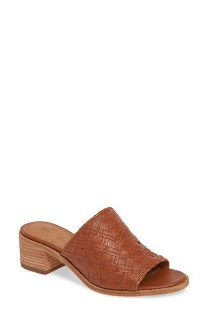 Frye Sandals CINDY WOVEN SLIDE SANDAL