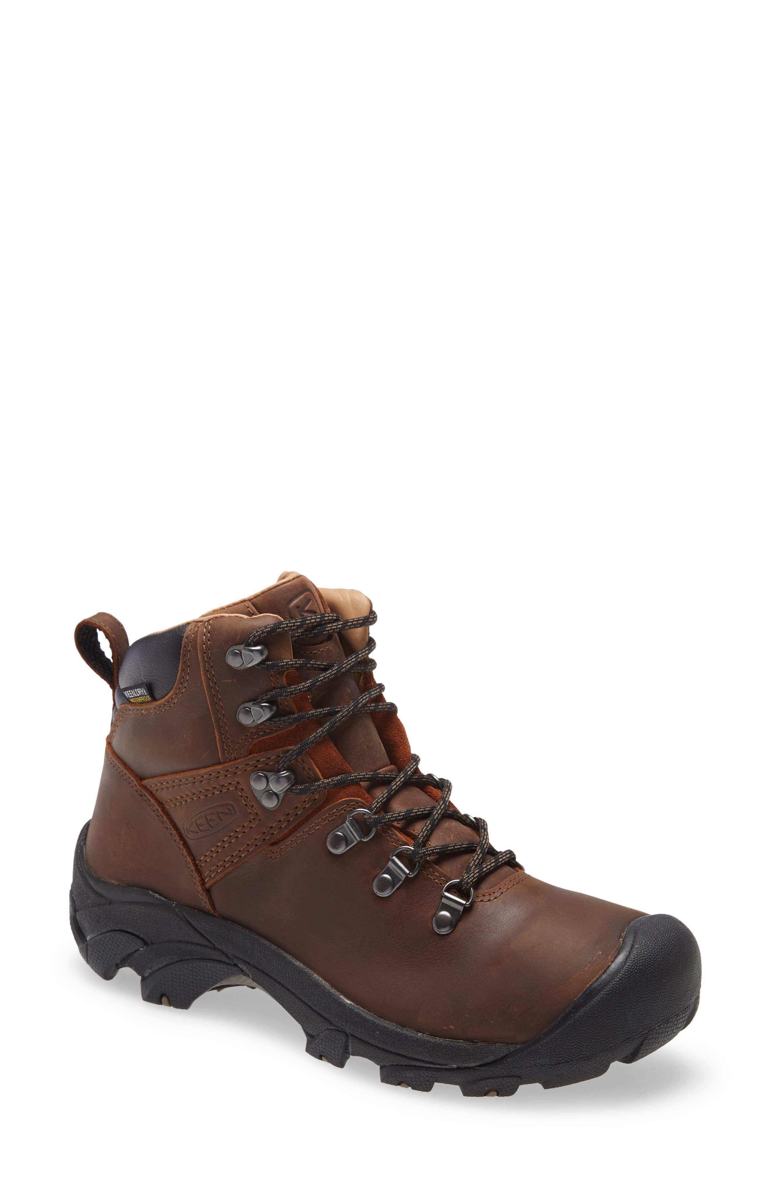 Pyrenees Hiking Boot