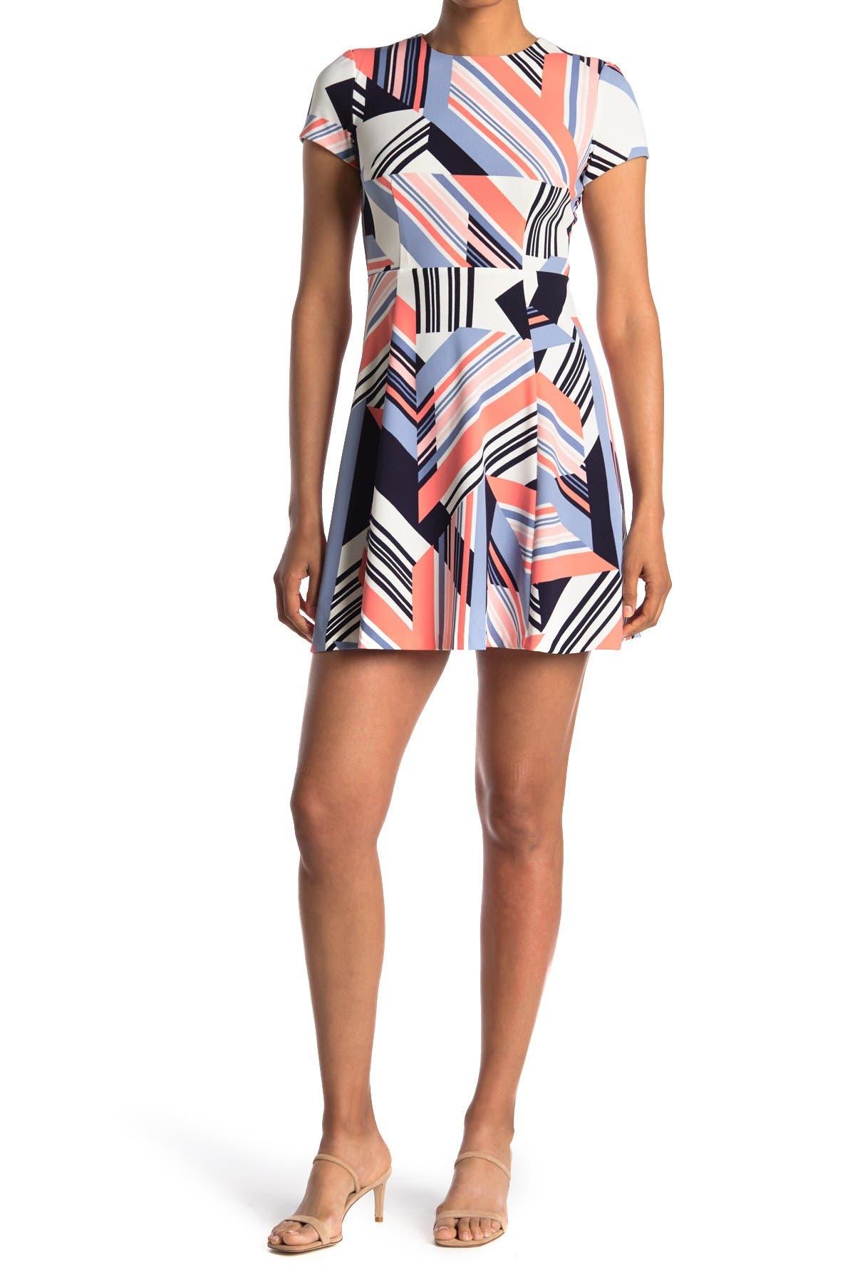 Image of Vince Camuto Geometric Print Short Sleeve Scuba Dress