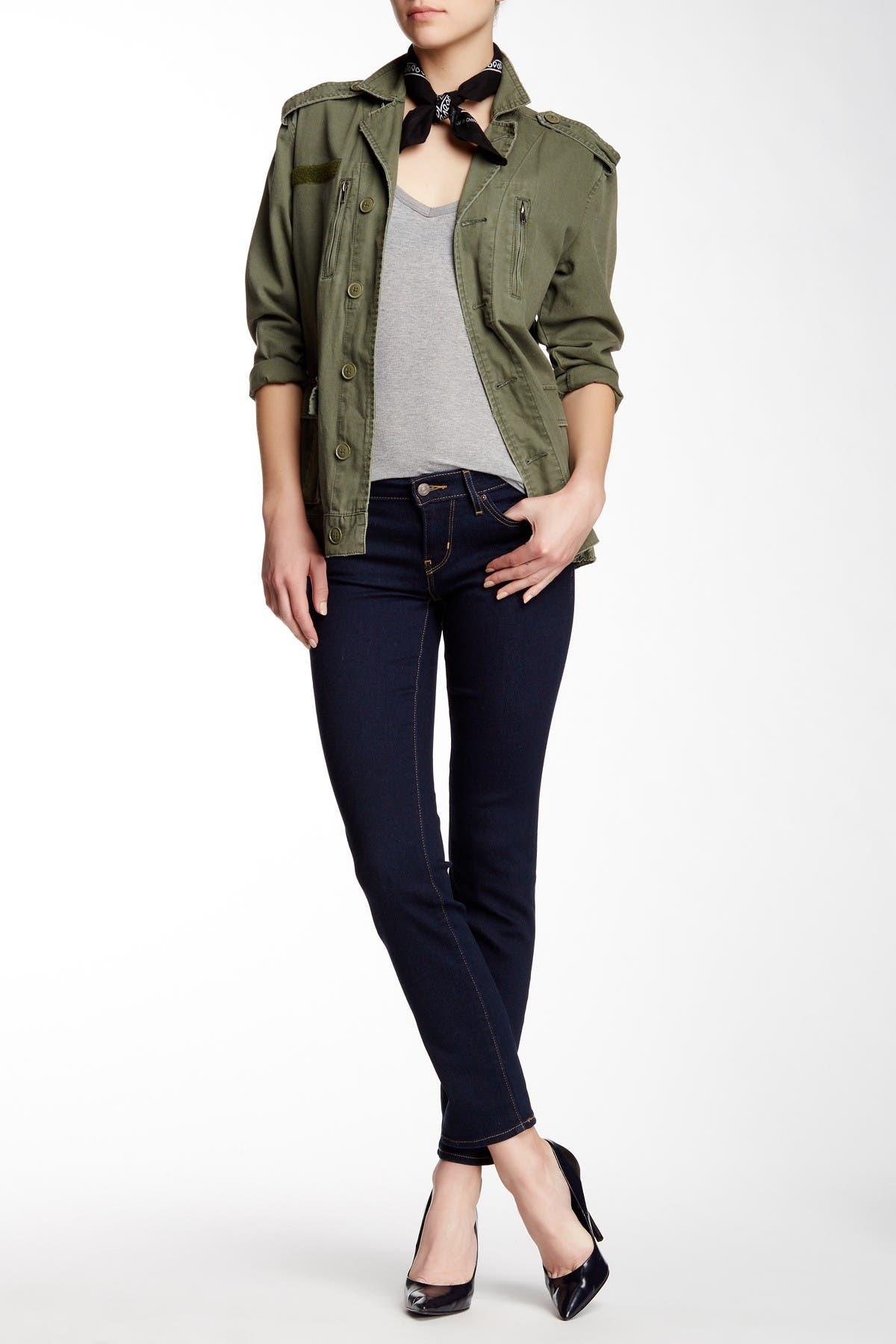 Image of Levi's 712 Slim Jean