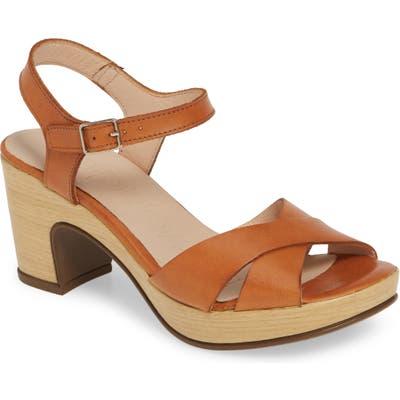 Wonders Platform Sandal - Brown