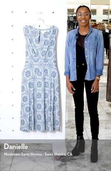 Majorelle V-Neck Knit Dress, sales video thumbnail
