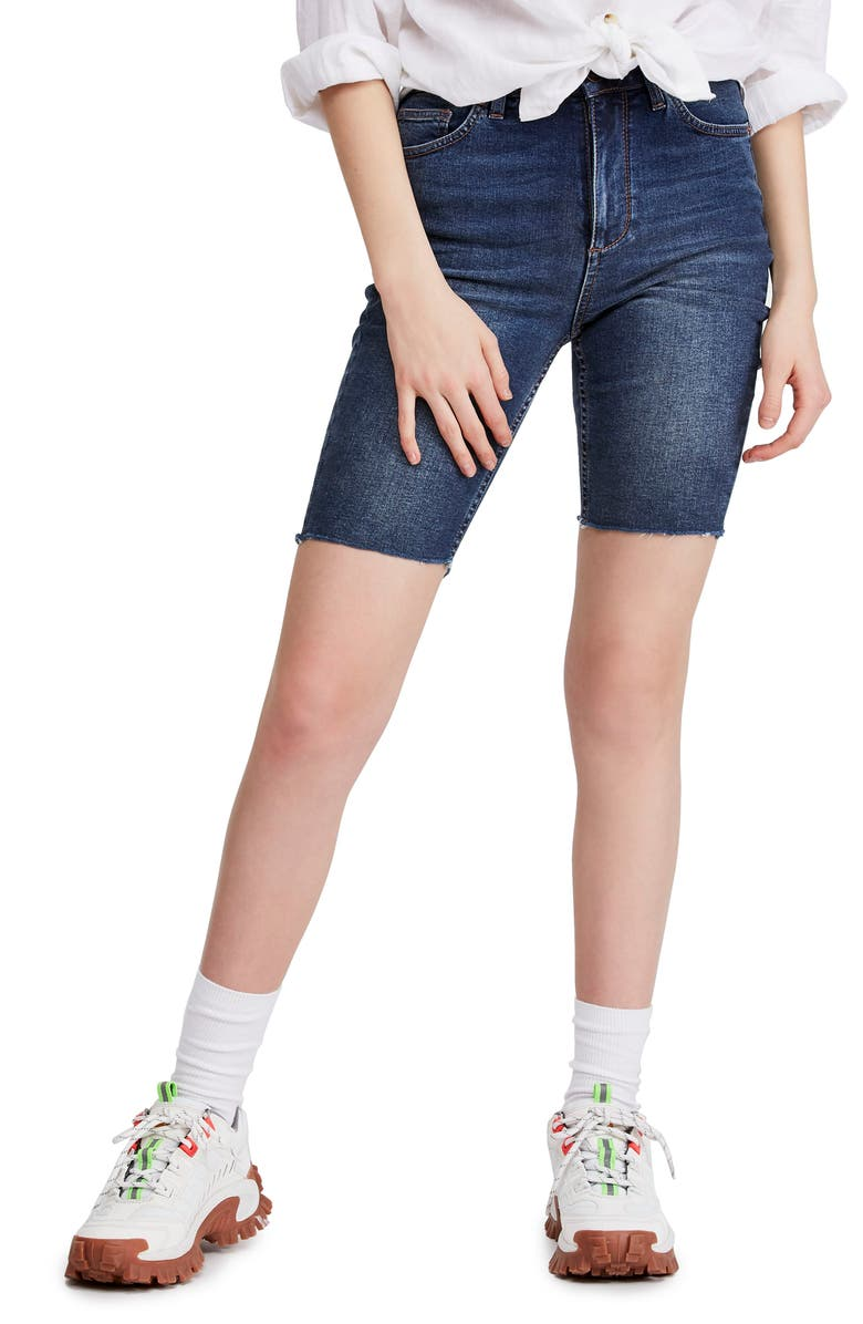 BDG Urban Outfitters Denim Bike Shorts, Main, color, 400