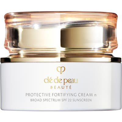 Cle De Peau Beaute Protective Fortifying Cream Spf 22