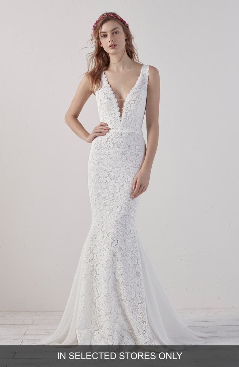 PRONOVIAS Eladia Lace Mermaid Wedding Dress, Main, color, OFF WHITE/ CRST