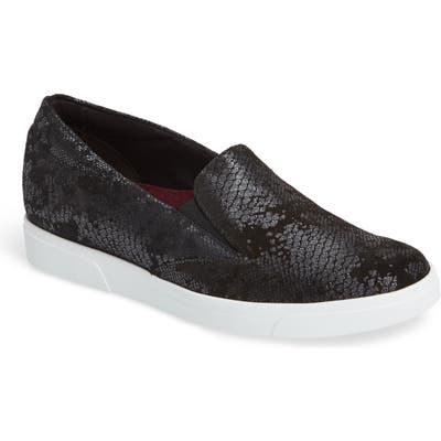 Munro Lulu Slip-On Sneaker- Black