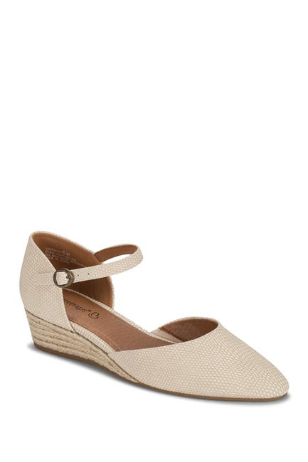 Image of BareTraps Laverick Mary Jane Dress Wedge
