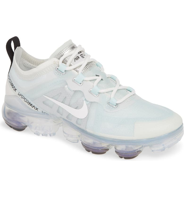 NIKE Air VaporMax 2019 Sneaker, Main, color, 403