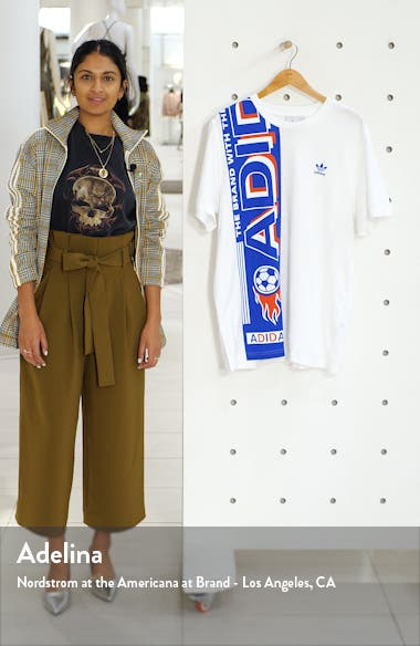 Side Scarf Graphic T-Shirt, sales video thumbnail