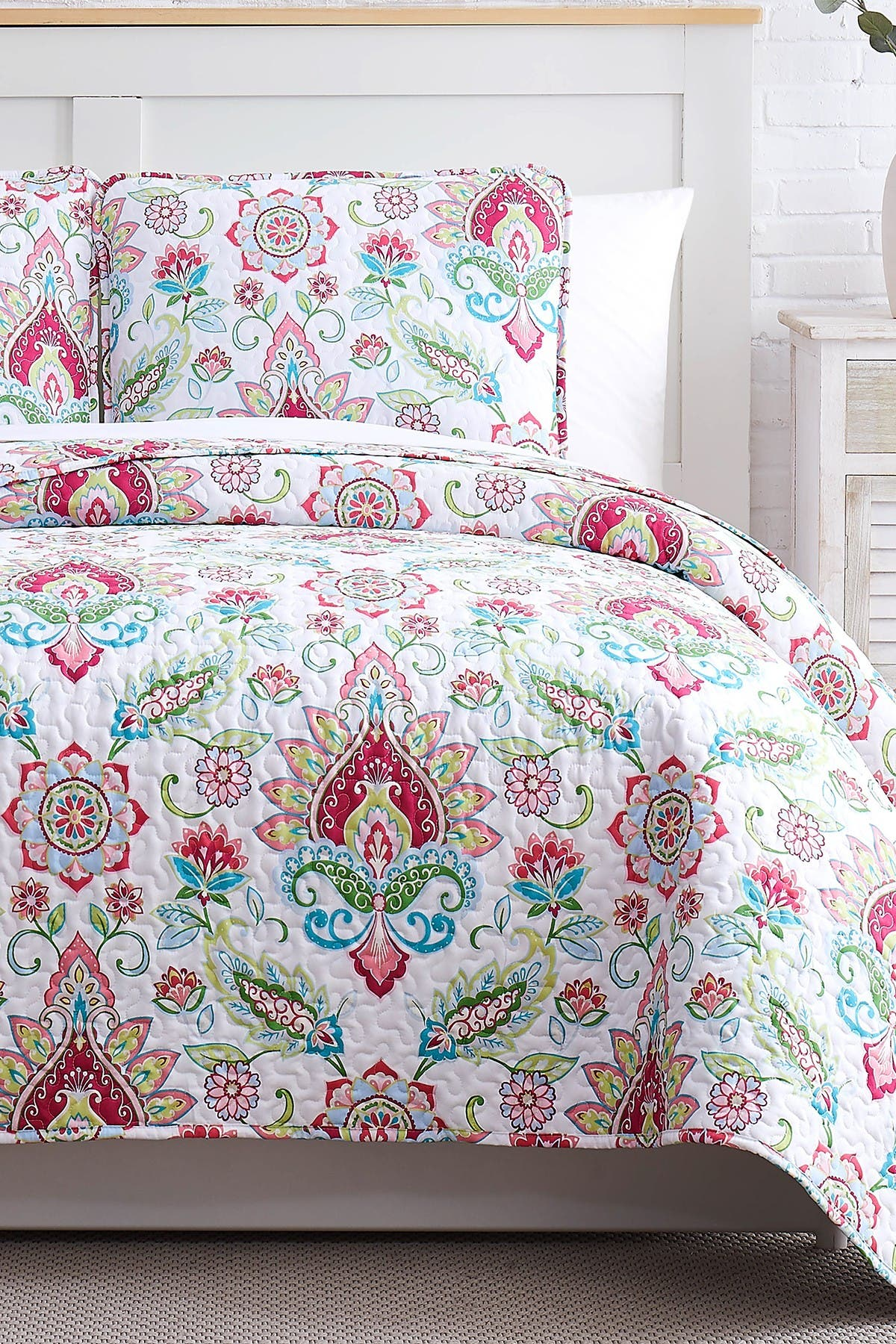 Image of SOUTHSHORE FINE LINENS Luxury Collection Oversized Quilt 3-Piece Set - Full/Queen