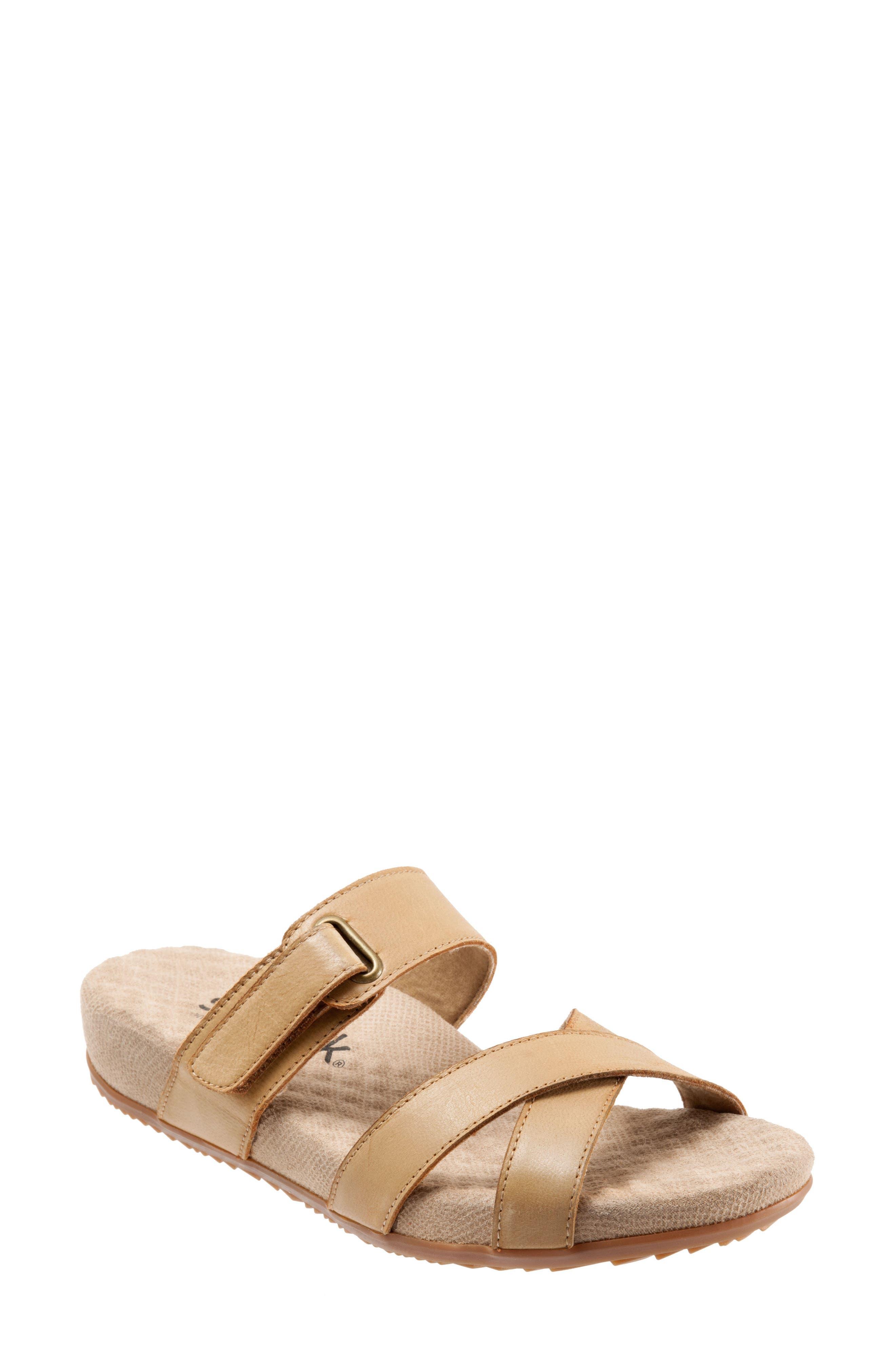 Softwalk Brimley Sandal, Brown