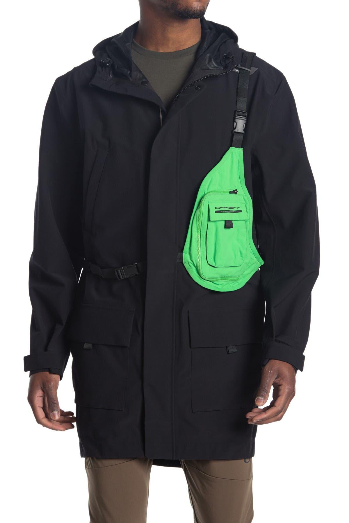 Image of Oakley Modular Belt Bag & Hooded Parka