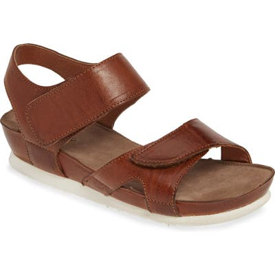Bos. & Co. Pilar Sandal - Brown