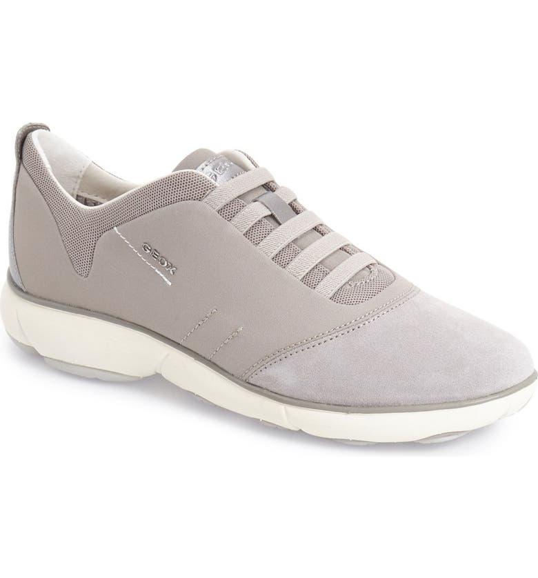 metà fuori 8aa1b 8d55a Nebula Sneaker