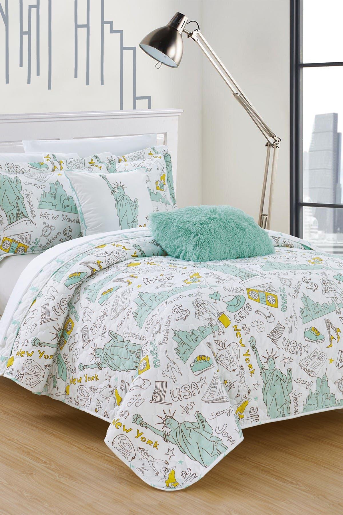 Image of Chic Home Bedding Full Fulton Reversible New York Theme Quilt Set - Green