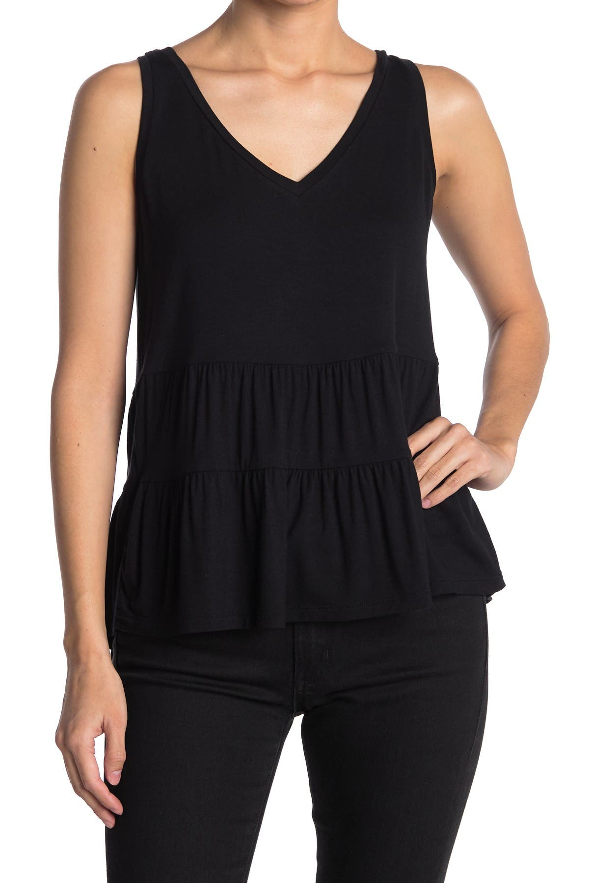 14th & Union SLEEVELESS DOUBLE V TIERED TOP