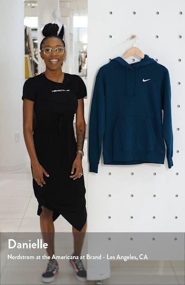Sportswear Essential Pullover Fleece Hoodie, sales video thumbnail