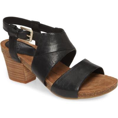 Sofft Melina Block Heel Sandal- Black