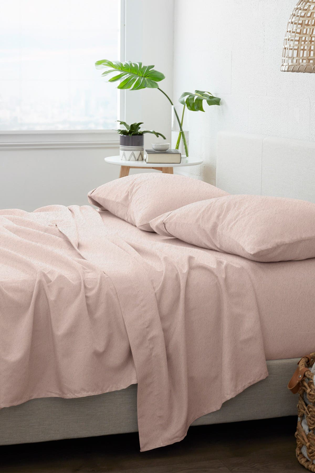 Image of IENJOY HOME Home Collection Premium 4-Piece Queen Ultra Soft Flannel Bed Sheet Set - Blush