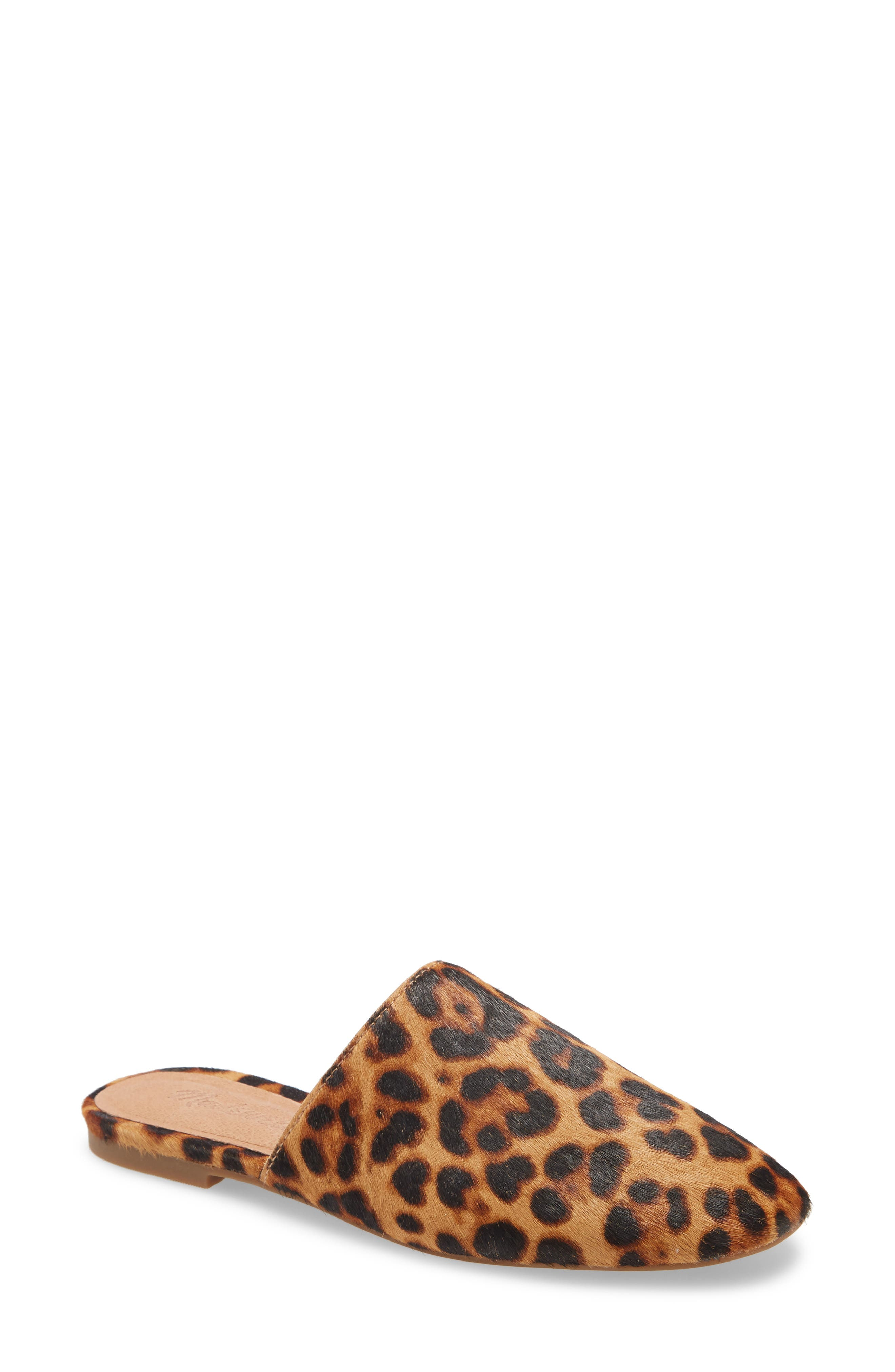 A slip-on version of Madewell\'s favorite minimalist flat, this modern mule has a squared-off shape we love. So easy to slide on (and off), this mule has that effortless cool-girl energy. And, cushiness alert: the MWL Cloudlift Lite padding feels like walking on a-well, you know. Style Name: Madewell The Cory Mule. Style Number: 5986472 1. Available in stores.
