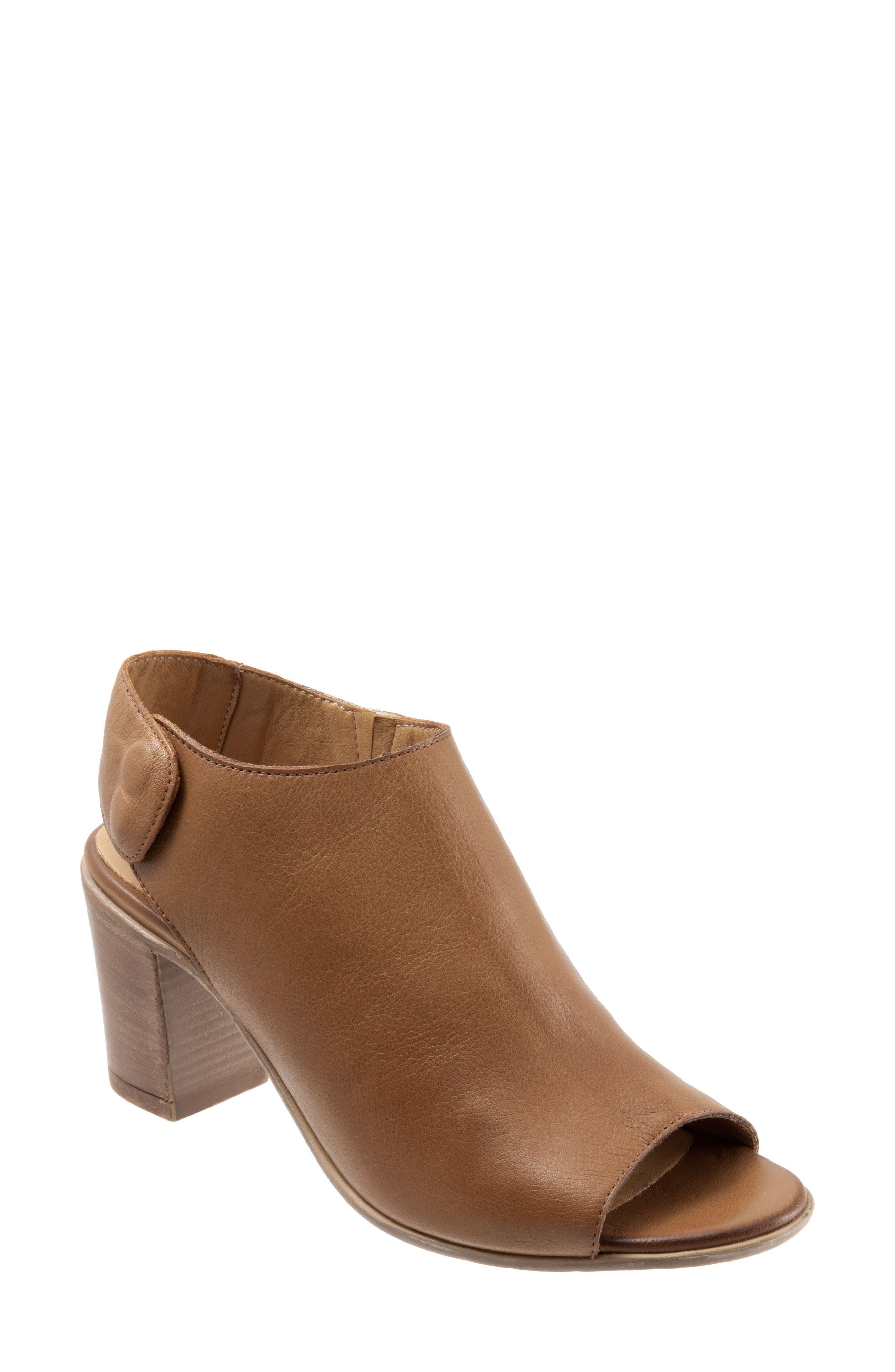 Bueno Umay Slingback Sandal - Brown