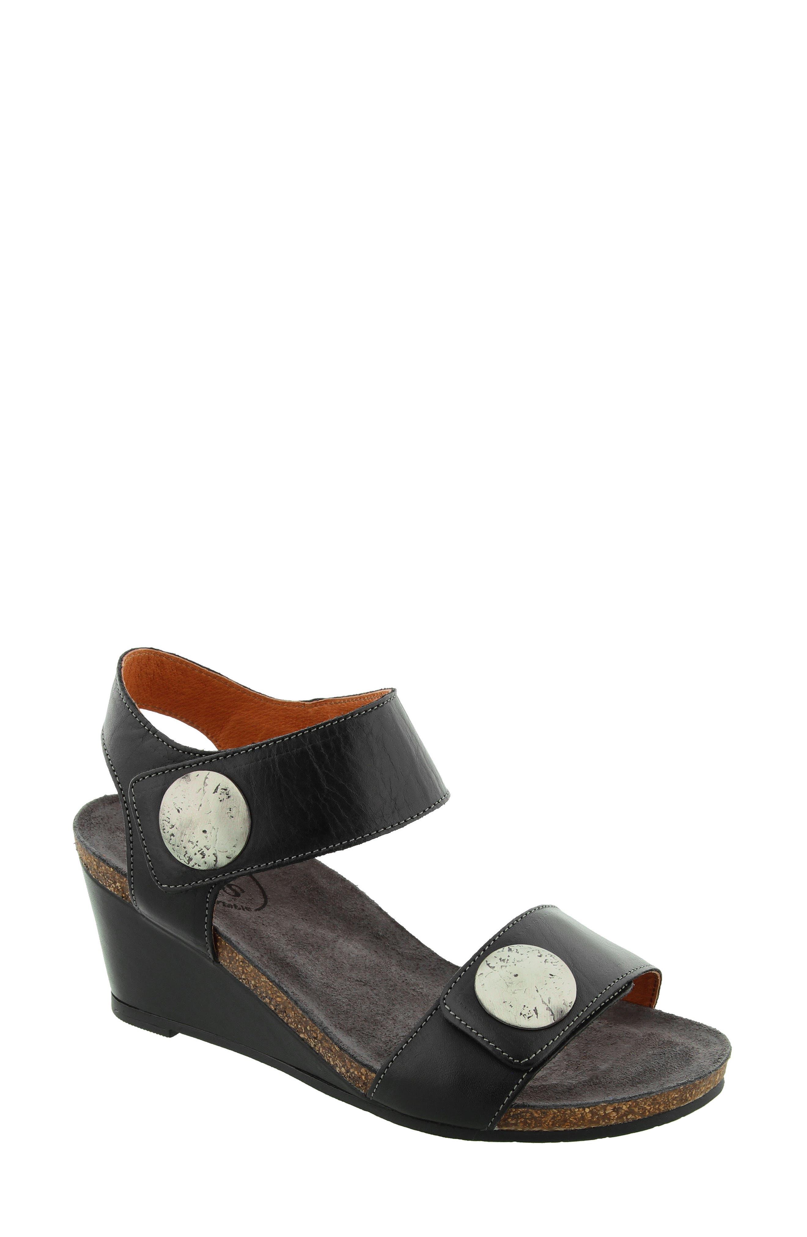 Taos   'Carousel 2' Wedge Sandal