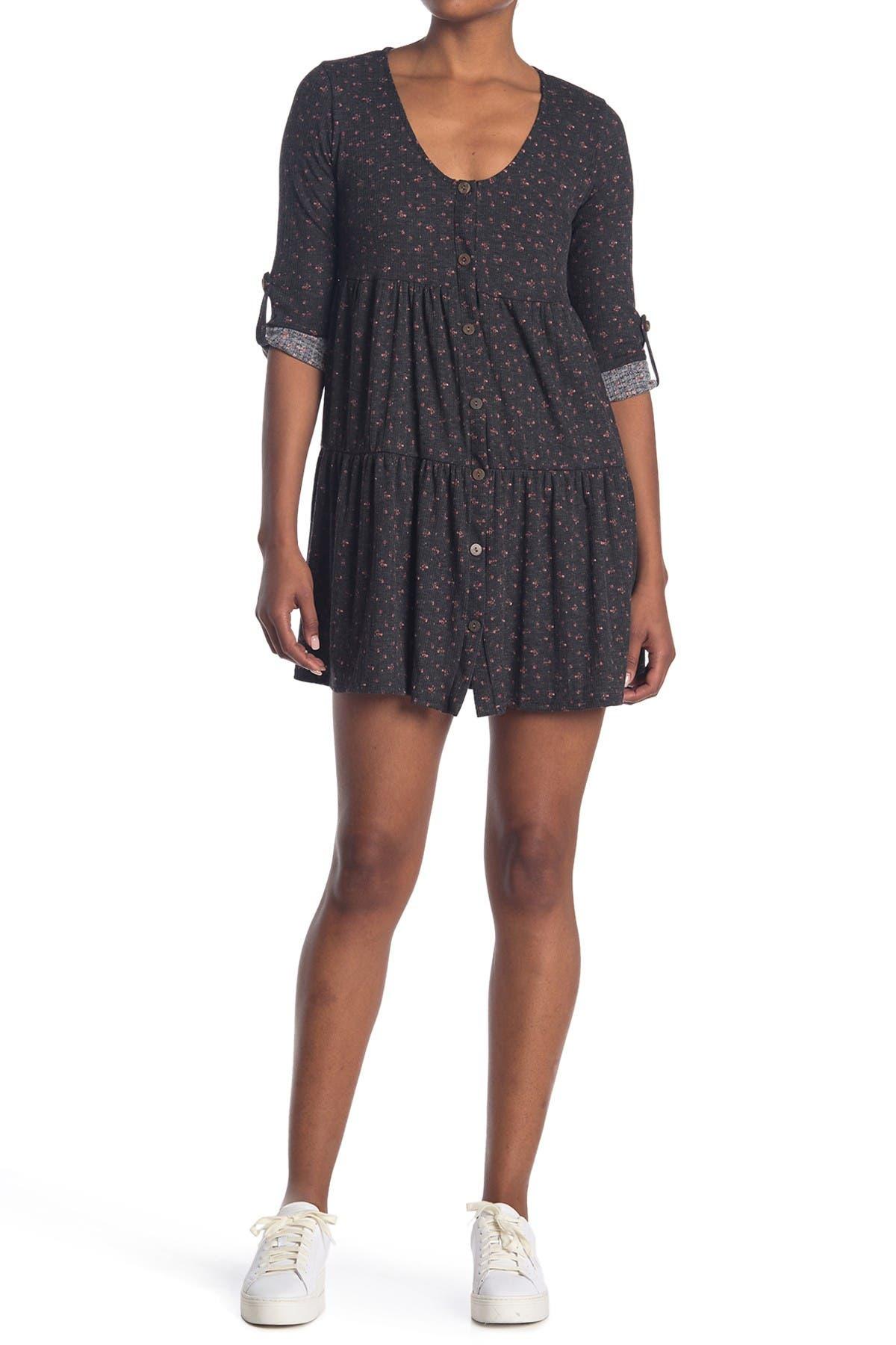 Image of KENEDIK Ditsy Floral Tiered Rib Knit Dress