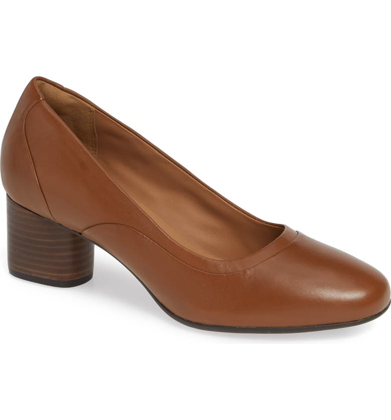 CLARKS<SUP>®</SUP> Un Cosmo Step Pump, Main, color, DARK TAN LEATHER