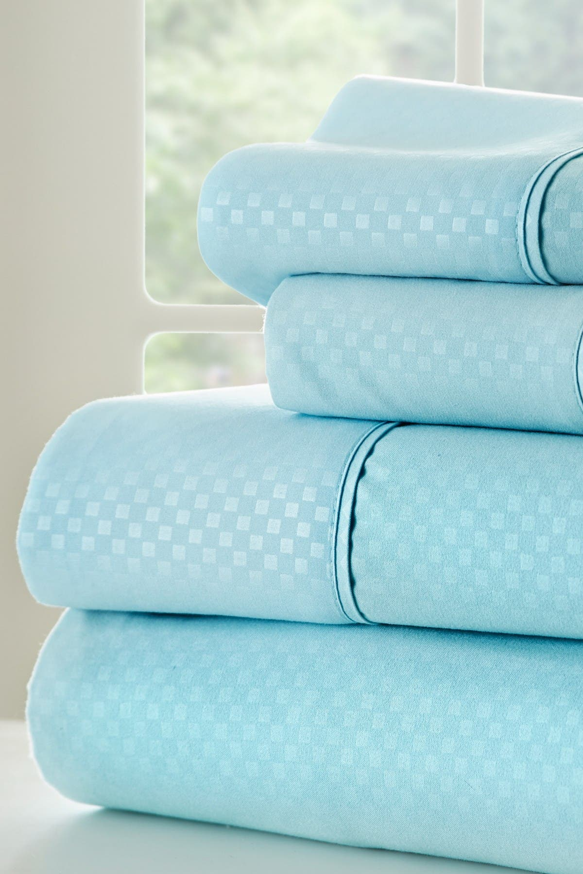 Image of IENJOY HOME Full Hotel Collection Premium Ultra Soft 4-Piece Checkered Bed Sheet Set - Aqua