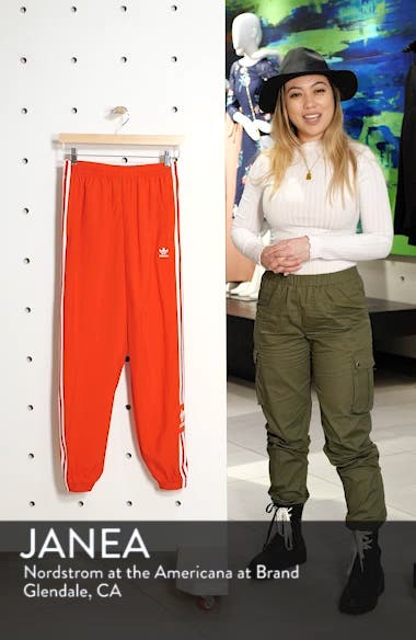 Adicolor Lock Up Woven Track Pants, sales video thumbnail