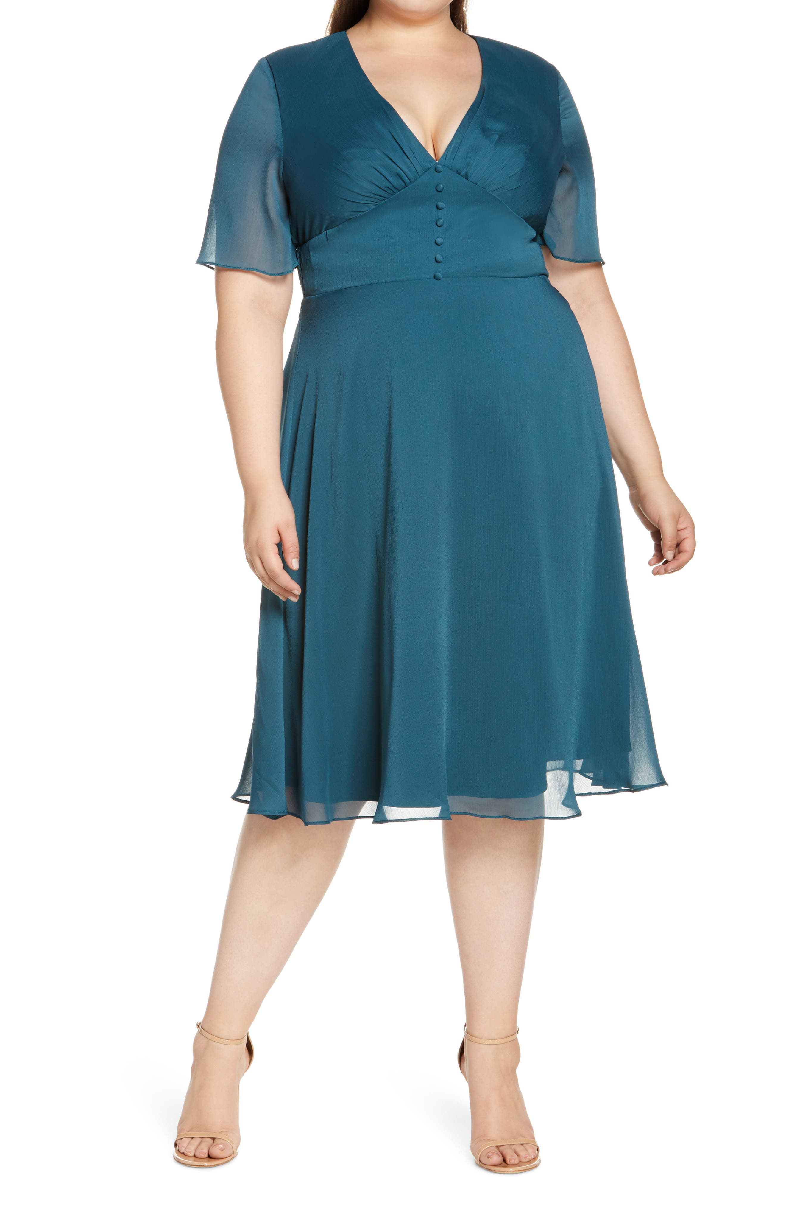 1940s Plus Size Fashion: Style Advice from 1940s to Today Plus Size Womens Chi Chi London Curve Oria Fit  Flare Dress Size 22W - Bluegreen $105.00 AT vintagedancer.com