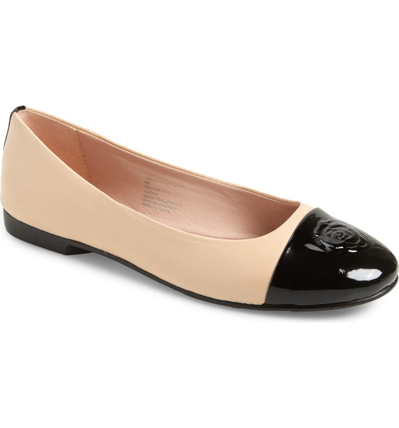 TARYN ROSE COLLECTION Adrianna Cap Toe Skimmer Flat, Main, color, BLACK/ BISQUE LEATHER