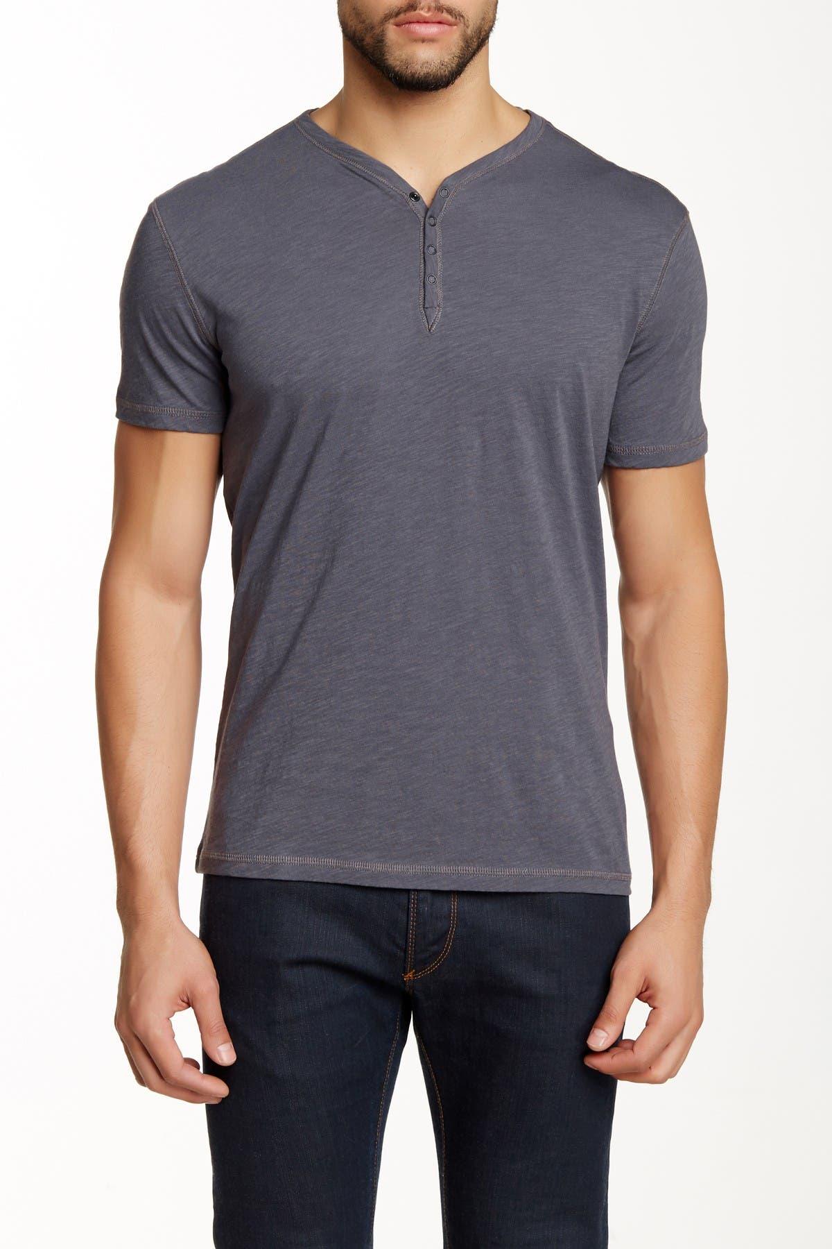 John Varvatos Star USA Men/'s Short Sleeve Crew Snap Henley Shirt Multi Colors