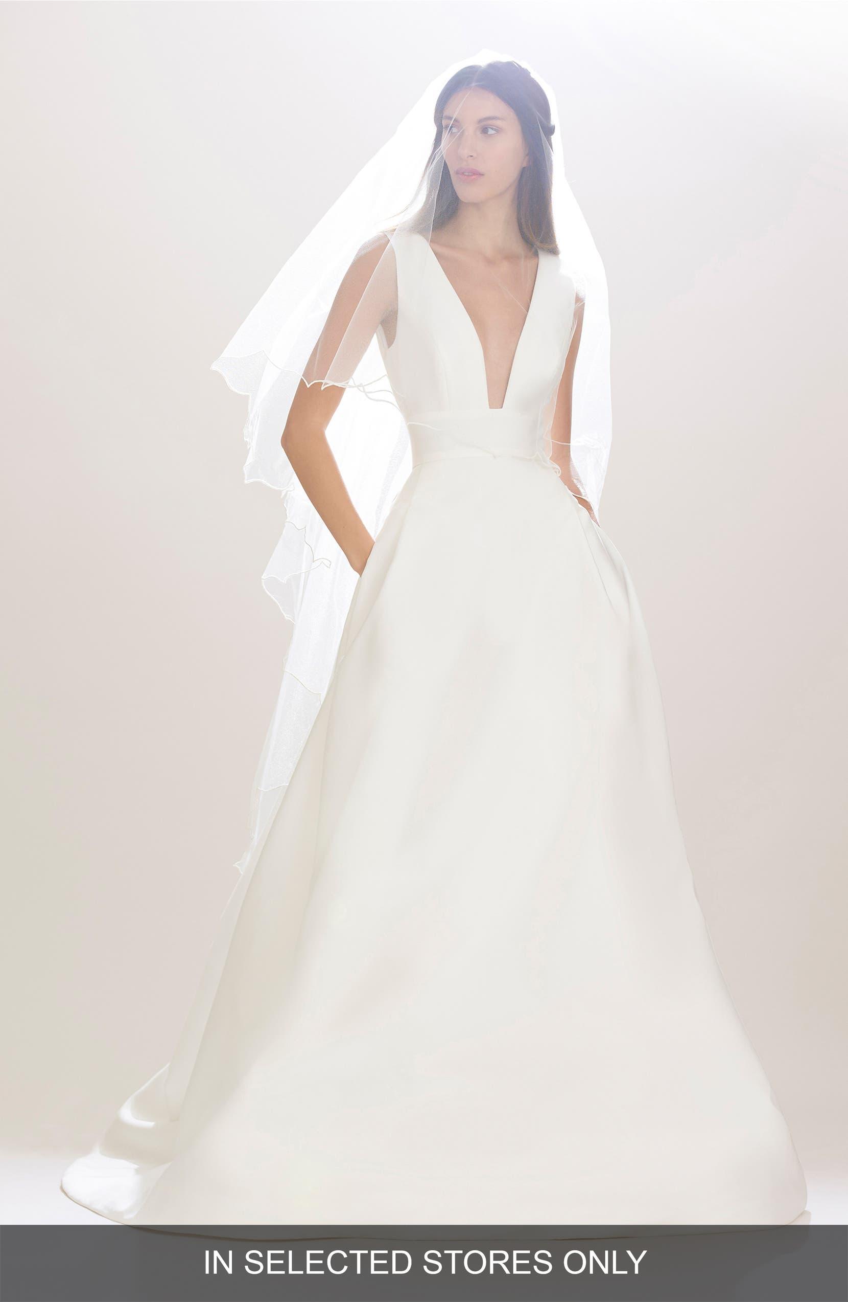 Carolina Herrera Wedding Dress.Mason Plunging V Neck Silk Mikado Ballgown