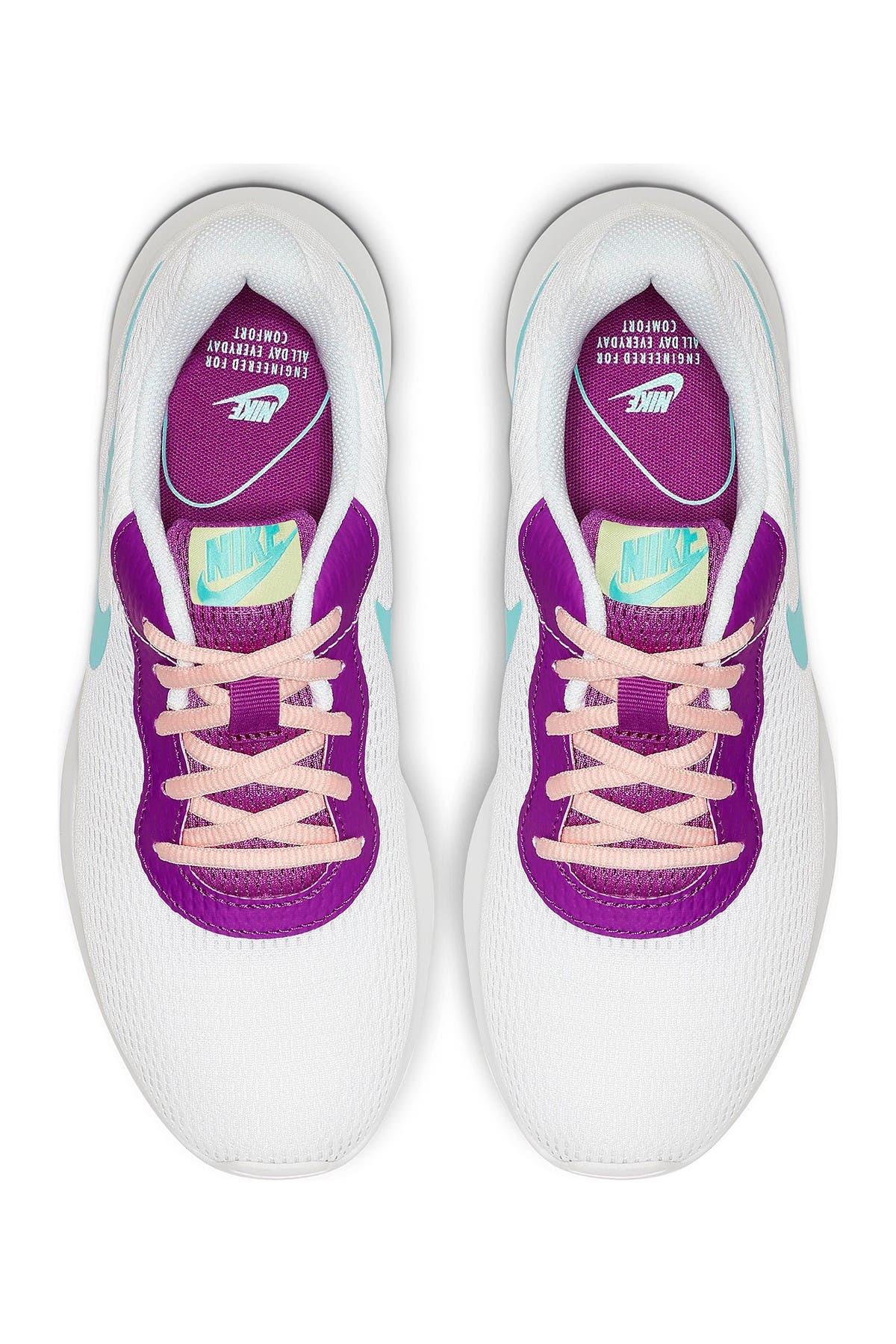 Image of Nike Tanjun Sneaker