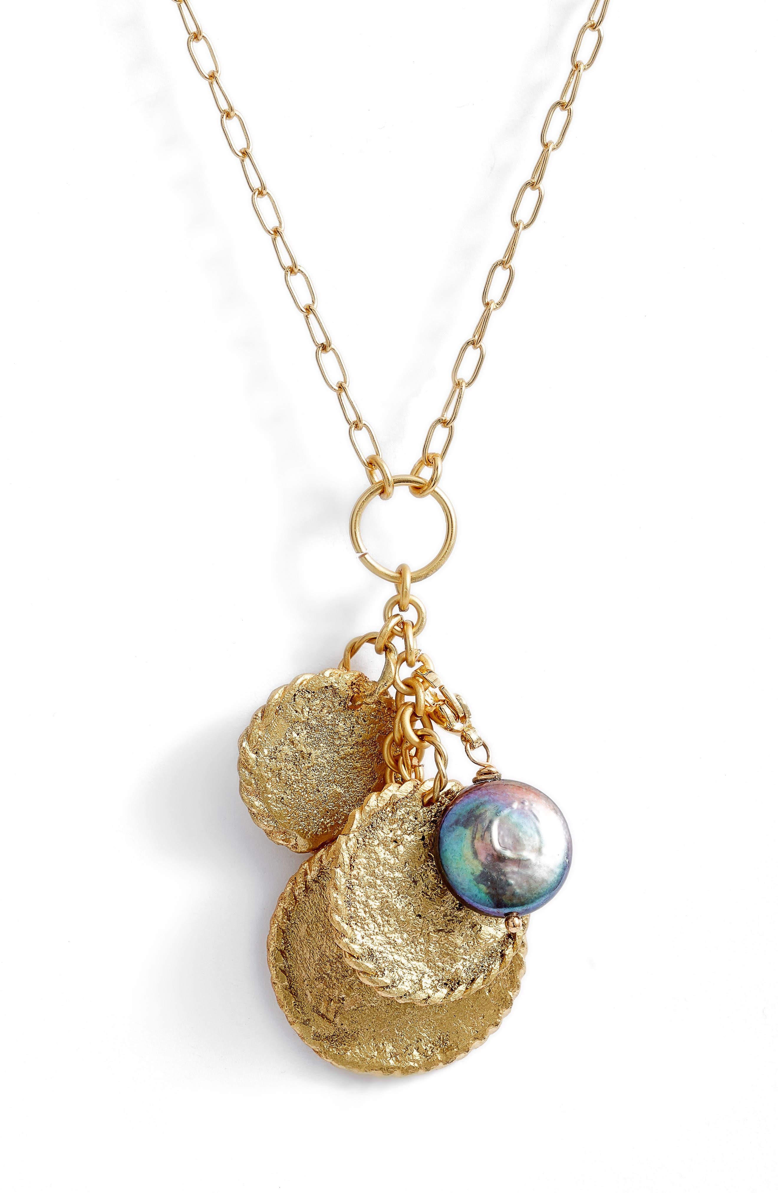 Caribe Tres Monedas Freshwater Pearl Pendant Necklace