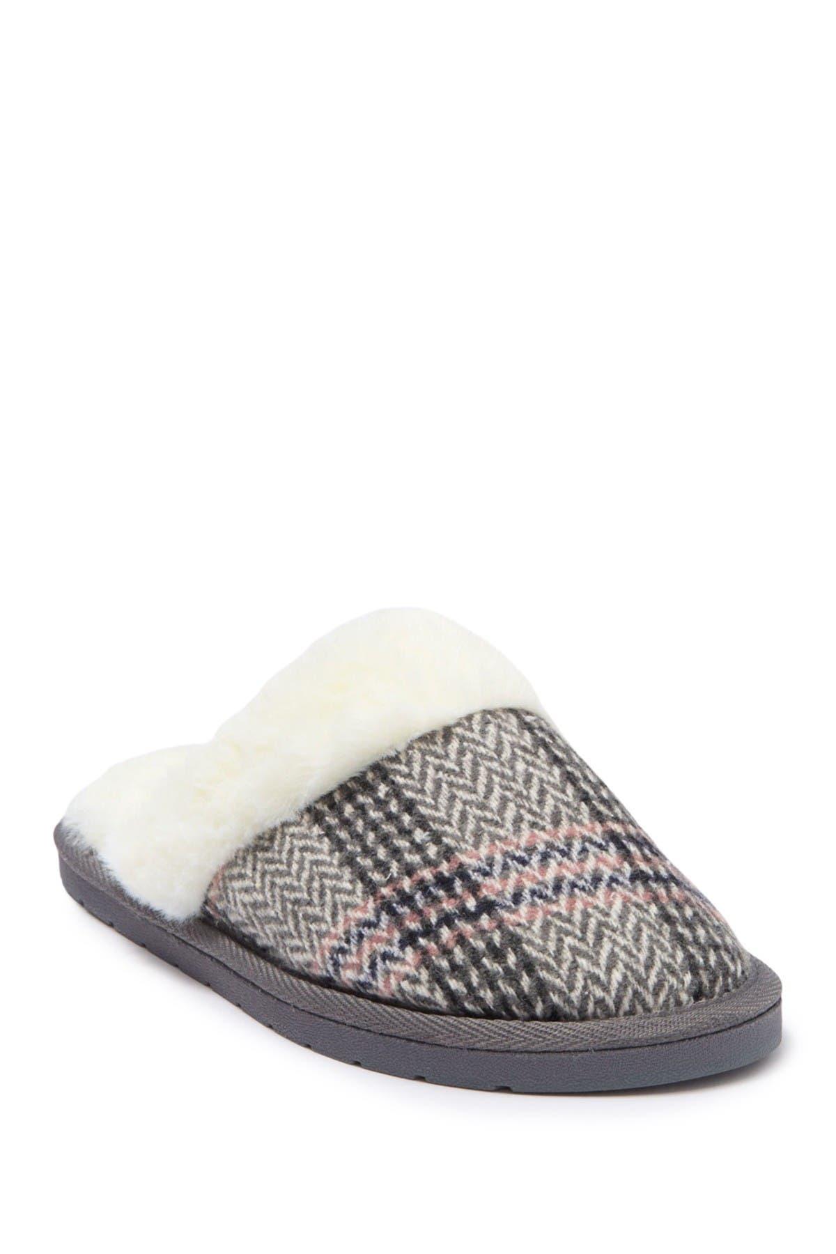 Image of Kensie Plaid Knit Slipper