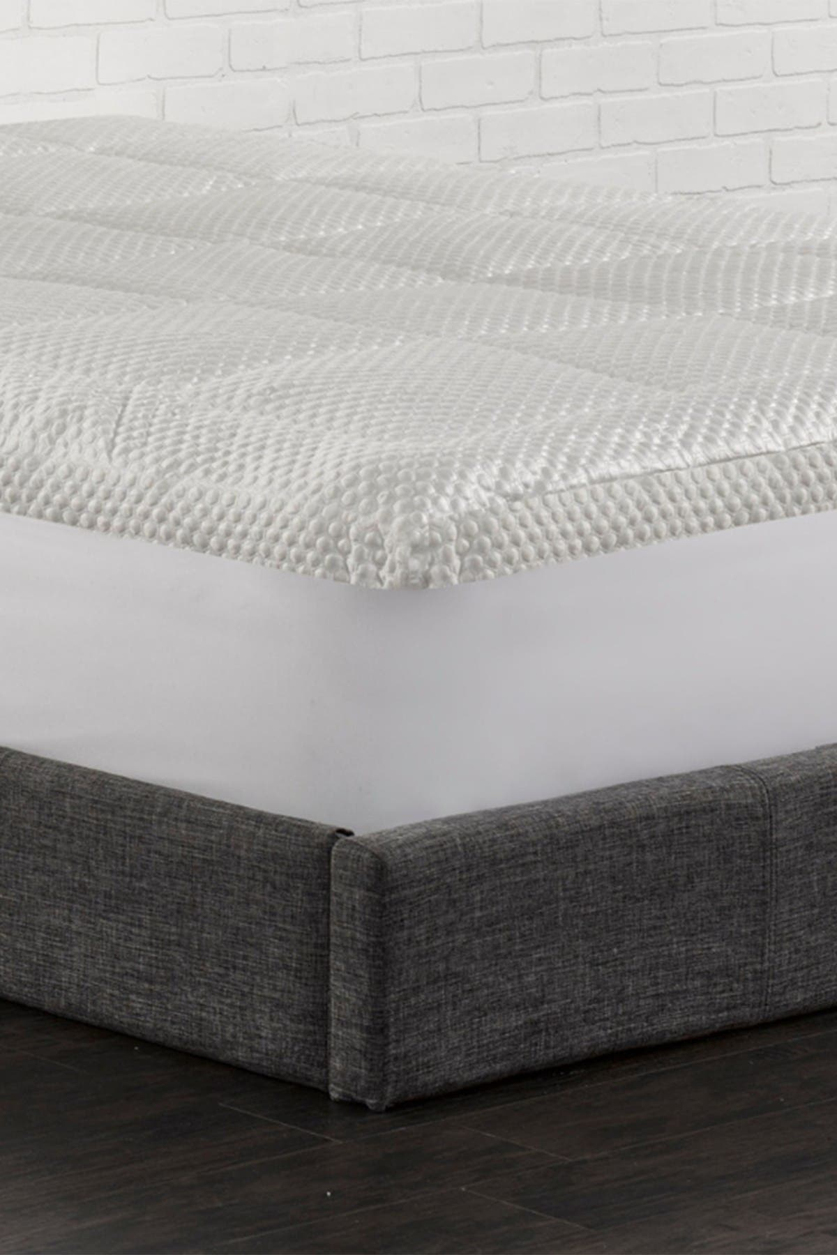 Image of Ella Jayne Arctic Chill Super Cooling Fiber Bed - Twin