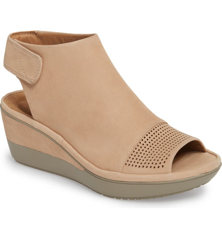 CLARKS<SUP>®</SUP> Wynnmere Abie Wedge Sandal, Main, color, 273