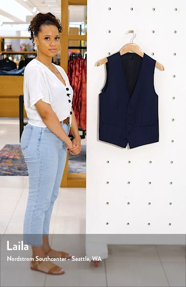 Huge/Weste Solid Wool Vest, sales video thumbnail