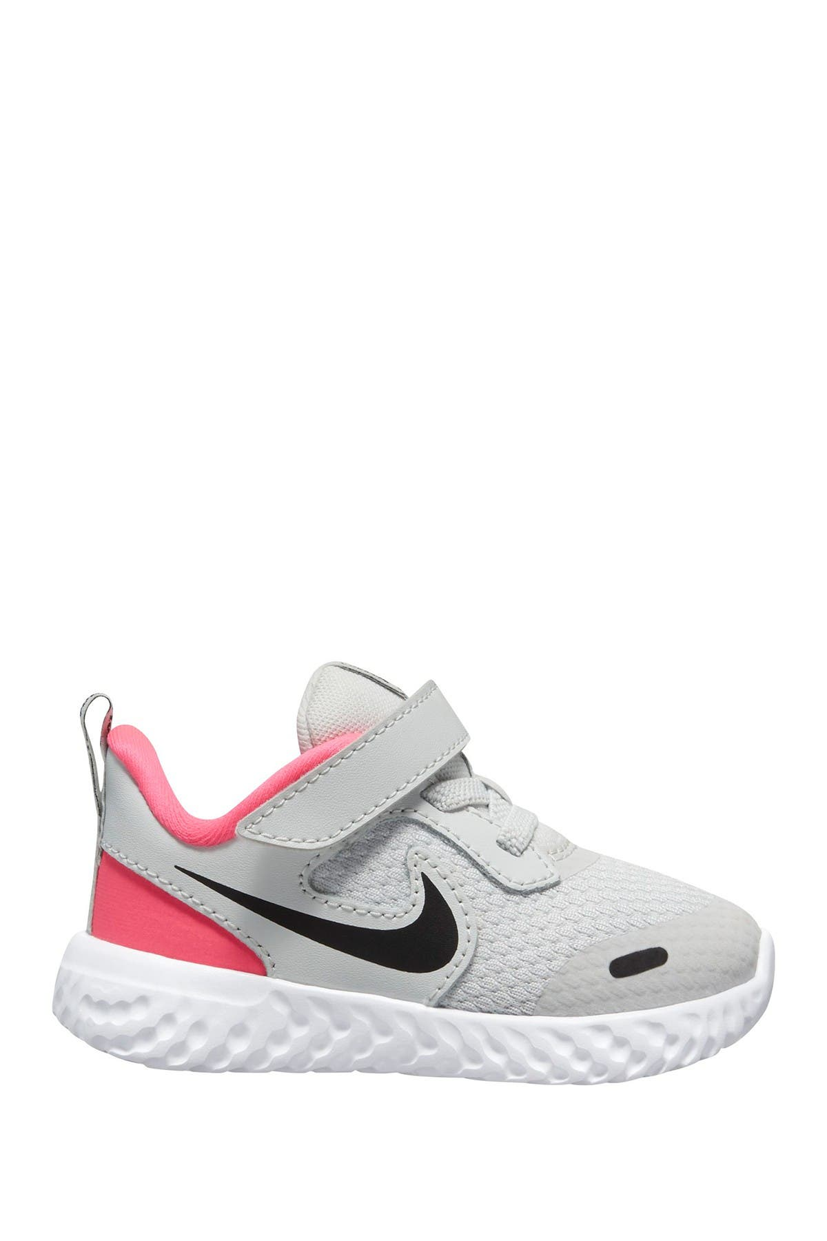 Image of Nike Revolution 5 Sneaker