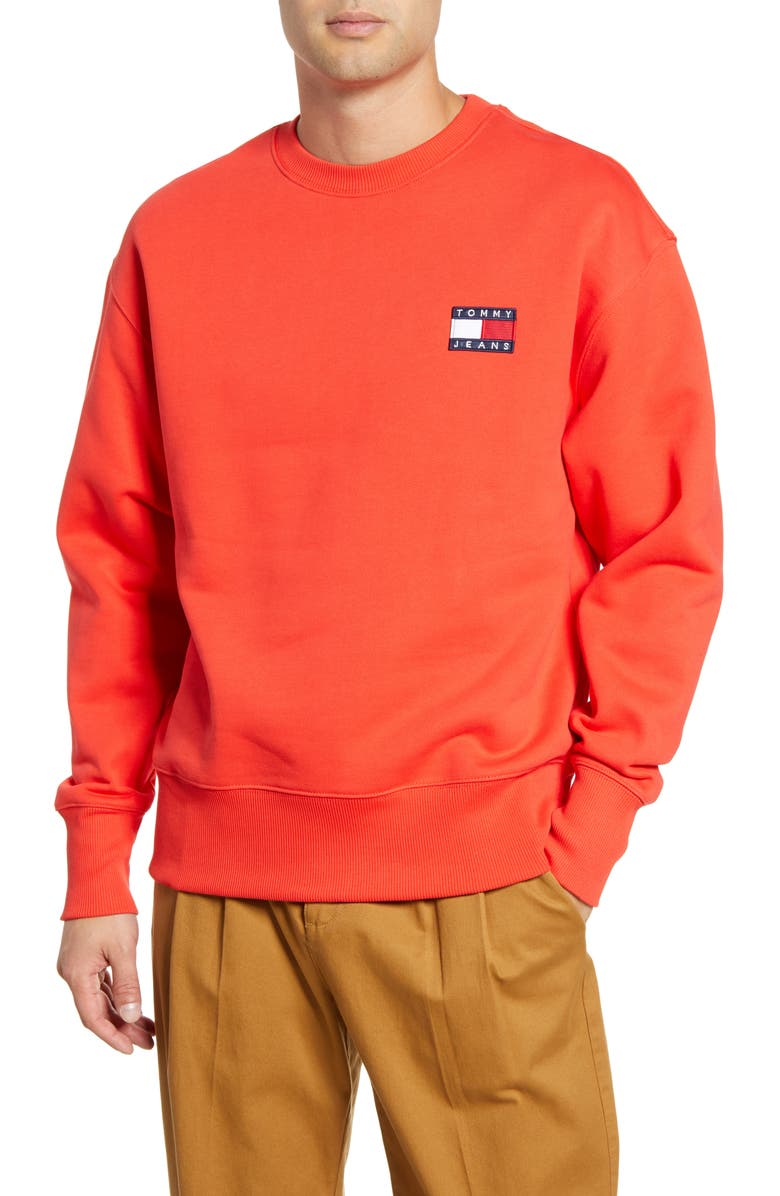 TOMMY JEANS TJM Tommy Badge Crewneck Sweatshirt, Main, color, FLAME SCARLET