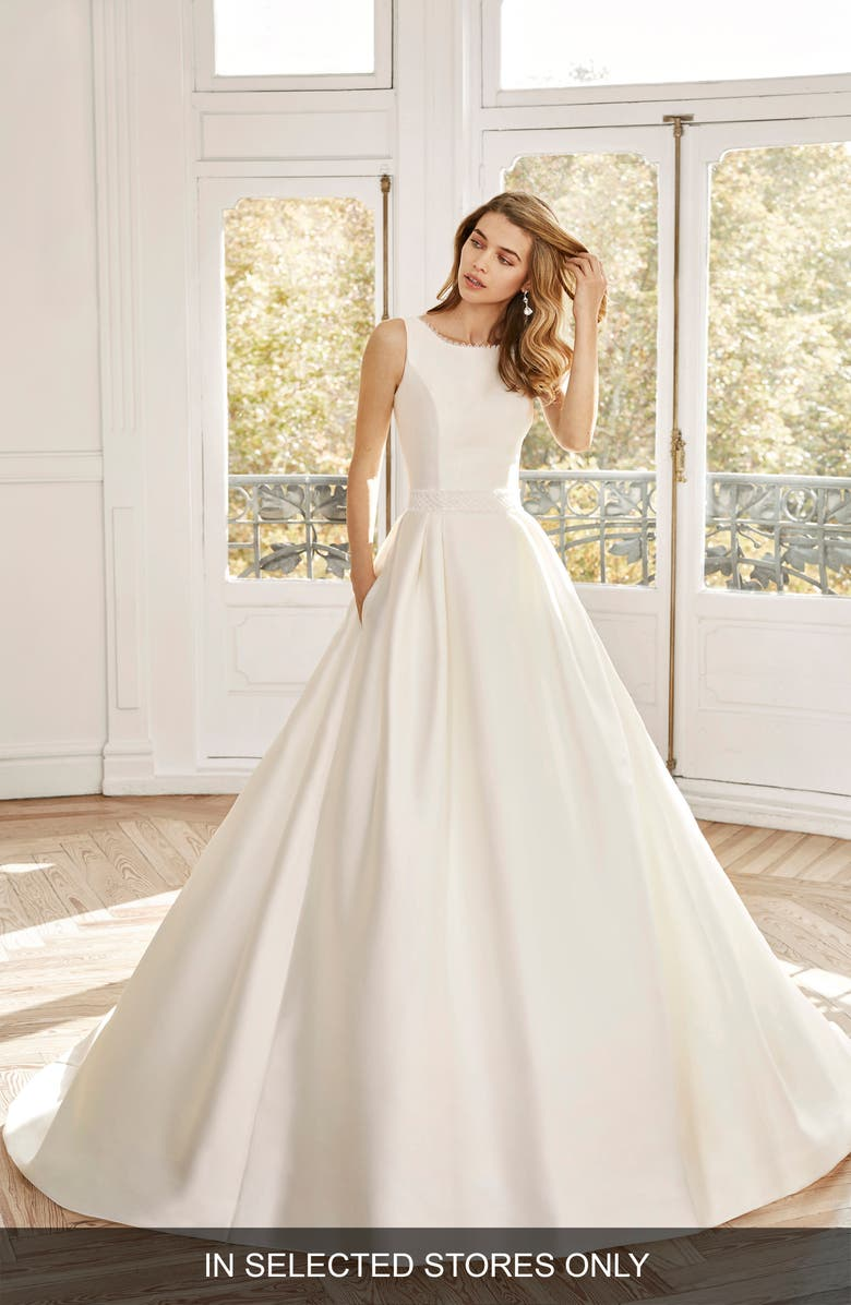 AIRE BARCELONA Noel Classic Ballgown Wedding Dress, Main, color, NATURAL