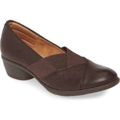 Comfortiva Quinton Low Heel Pump- Brown